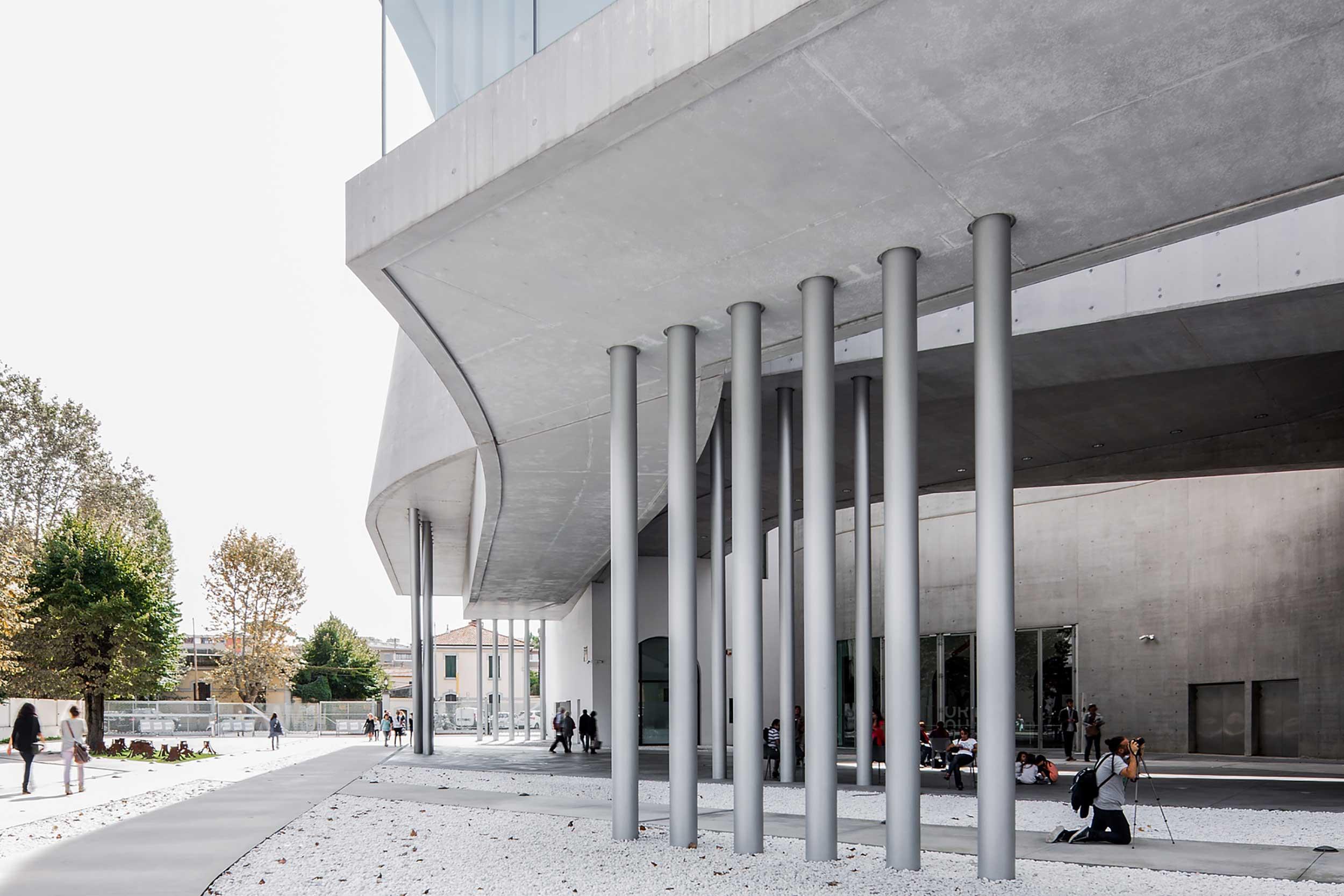 arkkitehtuuri hopean rakennuksen kuva